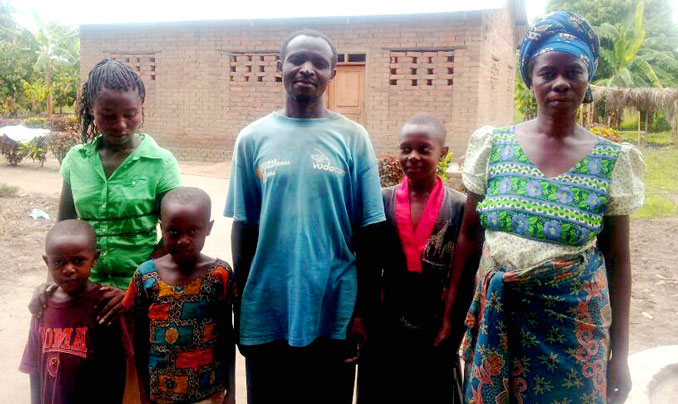 The Daudi family enrolled in a farmer field school implemented by TechnoServe with Irish Aid funding.