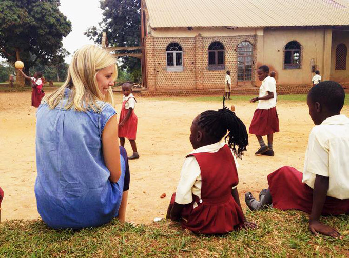 Spending time with students at St. Noa's primary school in Nansana, Kampala, Uganda ©Phoebe Pennington