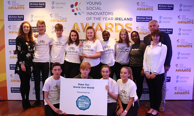 Winners of the Make Our World One World award, Portmarnock Community School, with YSI Guides Colette Cronin and Niall Fitzgerald and Rita Walsh, Director, WorldWise Global Schools